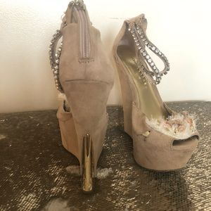 Wedges size 8 1/2